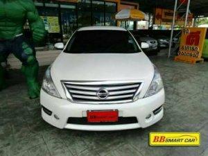 NISSAN TEANA ปี 2011 สีขาว A/T ใช้เงินเพียง 10,000 บ. ออกรถได้ทันที