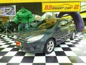 FORD FOCUS ปี 2013 A/T สีเทา เบนซิน ใช้เงินเพียง 10,000 บาท ออกรถได้ทันที