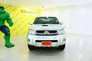 TOYOTA VIGO ปี2010 สีเทา ดีเซล AT ใช้เงินเพียง 10,000 บ. ออกรถได้ทันที ราคา 605,000 บาท